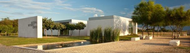1号站注册: 国家蝴蝶中心的墙要开始施工了吗?